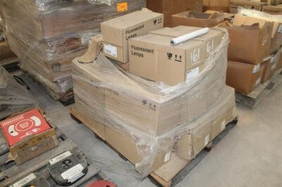 Pallet of Philips 18 Inch Flourescent Bulbs